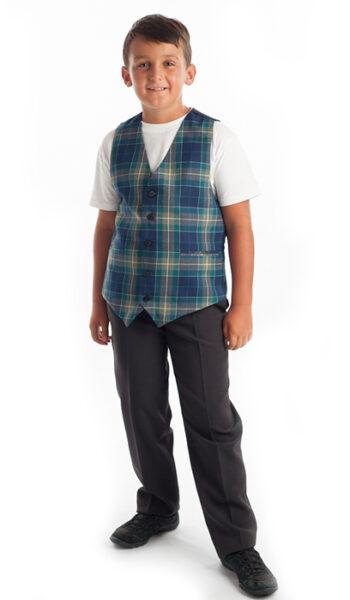ученически-униформи-момче